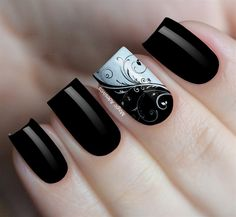 Love black and white Black Gel Nails, Red Nails, Hair And Nails, Toe Nail Color, Nail Colors, Cute Nails, Pretty Nails, Nancy Nails, Maroon Nails
