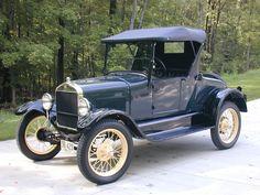 Aproveitando a ocasião do centenário do primeiro automóvel produzido em escala, daqui a dois meses, fui pesquisar mais sobre o assunto e aprendi e relembrei algumas coisas muito interessantes. O Fo…