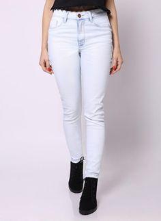 Jeans claro de cintura alta <3