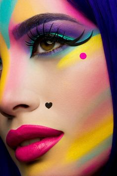 Eye rock makeup art, makeup art looks with a pink lip, double winged eye liner Make Up Looks, Maquillage Halloween, Halloween Makeup, Diy Halloween, Make Carnaval, Extreme Makeup, Fantasy Make Up, Rainbow Makeup, Rainbow Face