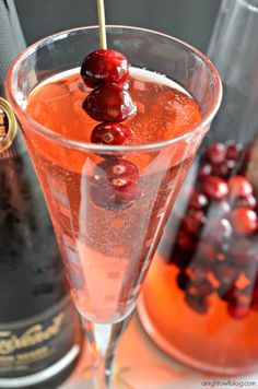An easy cocktail made with cranberries and sparkling wine! Perfect for New Years!