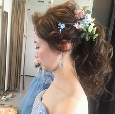 高めの位置のポニーテールの髪型・ブライダルヘアまとめ | marry[マリー] Hair Arrange, Creative Hairstyles, Kimono Dress, Bride Hairstyles, Flowers In Hair, Bridal Hair, Marie, Wedding Dresses, Hair Styles