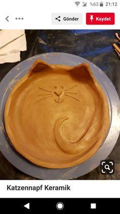 Most recent Free Slab Pottery platter Ideas Katzennapf Keramik Pottery Plates, Slab Pottery, Ceramic Pottery, Thrown Pottery, Pottery Vase, Pottery Painting, Ceramic Clay, Ceramic Plates, Clay Projects
