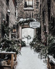 home decor cozy Christmas Aesthetic for Home Cozy Xmas Decorations Ideas. Looking for inspiration and a great mood with Christmas aesthetic ideas Save my collection of these Christmas tree ideas, Xmas lights aesthetic, wallpaper and cozy home decorations. Christmas Mood, Vintage Christmas, Disney Christmas, Christmas Trivia, Winter Wonderland Christmas, Christmas Quotes, Primitive Christmas, Outdoor Christmas, Christmas Movies