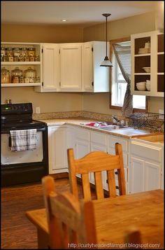 I like the open shelves above the stove