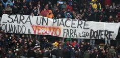 Le curve degli stadi sono solo lo specchio della società, un indicatore sensibile del nostro grado di civiltà. Esisterà razzismo negli stadi fino a quando ci sarà razzismo in Parlamento. Ne parliamo nel nostro articolo. #razzismostadi #stadi #calcio #italia #informazione #sport