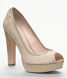 04412fcf5e0 31 Best Christian Louboutin New images   Shoes, Shoes outlet ...
