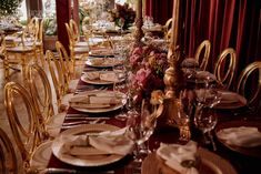 Decoração casamento marsala romântica Table Settings, Wedding Event Planner, Place Settings, Tablescapes