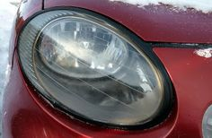 How to clean your vehicle's headlights - Use toothpaste ~ Tutorial Geek