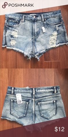 NEW distressed denim shorts BRAND NEW Super cute distressed denim shorts! Price tag still on. Comes from a smoke-free, pet-free house :) Forever 21 Shorts Jean Shorts