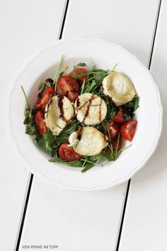 rucola salad with baked goat cheese