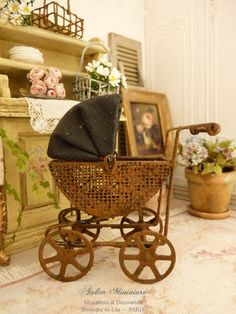 Miniature French romantic old fashion rusty pram, Accessory for a Victorian…