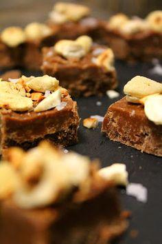 Kakkuviikarin vispailuja!: Pähkinä-suklaafudge