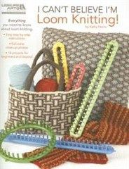 I Can't Believe I'm Loom Knitting. Have you discovered the hot tool that makes knitting easier than ever before, without knitting needles? It's a knitting loom (also known as a knitting wheel) and using one is as simple as wrapping yarn around the pegs a Loom Knitting Stitches, Knifty Knitter, Loom Knitting Projects, Knitting Books, Easy Knitting, Knitting Needles, Knitting Videos, Yarn Projects, Diy Knitting Machine
