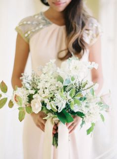Organic and beautiful: http://www.stylemepretty.com/2012/08/16/parisian-wedding-from-rylee-hitchner-photography/ | Photography: Rylee Hitchner - http://www.ryleehitchnerblog.com/