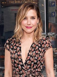 """Every day women around the world encounter unwanted sexual advances from men that can be both uncomfortable and demoralizing. For Sophia Bush, this behavior is unacceptable, and she knew just the way to put a """"creepy"""" man in his place. You go girl!"""
