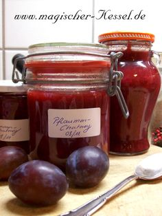 Rezept für Pflaumenchutney / recipe for spiced plum chutney Chutneys, Plum Chutney, Jam Label, Chutney Recipes, Vegetable Drinks, Healthy Eating Tips, Healthy Nutrition, Kitchen Gifts, Organic Recipes