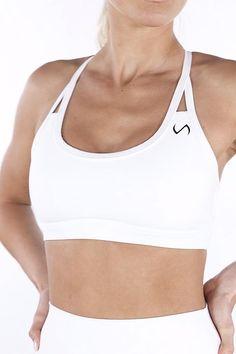 Sports Attire For Women, Active Wear For Women, Gym Style, Sporty Style, Ladies Gym Wear, Best Fitness Tracker Watch, Best Sports Bras, Slim Waist Workout, Gym Tops