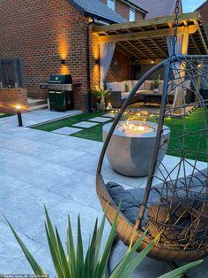 Back Garden Design, Modern Garden Design, Terrace Design, Garden Landscape Design, Backyard Patio Designs, Modern Backyard, Pergola Patio, Backyard Landscaping, Small Garden Pergola