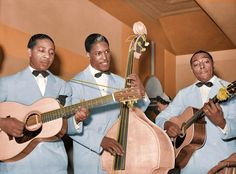 Shorpy Historical Photo Archive: Entertainers at Negro tavern. South Side Chicago. On the left is Lonnie Johnson, noted blues man and pioneering jazz guitarist. (Colorized Photo) 1941.