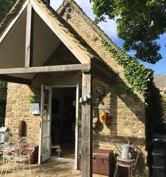 A week in the Cotswolds, lovely cottage in South Cerney, Village life