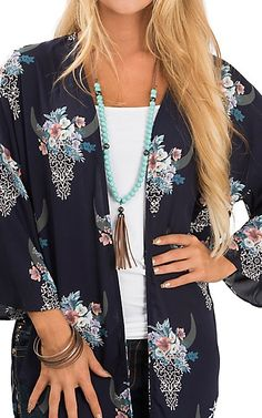 Love a covered look with Women Vests. Wear a mend jacket with a button-down t-shirt or combine a relatively easy to fix shirt along with men's shirts in several colorings. Western Outfits, Country Girl Outfits, Cowgirl Outfits, Western Wear, Cowgirl Clothing, Western Hats, Cowgirl Fashion, Country Girls, Navy Dress Outfits