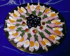 Aktivmarkt Weinle - Partyservice - Famous Last Words Party Finger Foods, Finger Food Appetizers, Snacks Für Party, Appetizer Recipes, Tapas, Easy Macaroni Salad, Fresh Fruit Tart, Food Carving, Food Garnishes