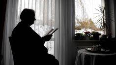 «Grove krenkelser av menneskerettigheter på norske sykehjem» - Aftenposten Curtains, Home Decor, Blinds, Decoration Home, Room Decor, Draping, Home Interior Design, Picture Window Treatments, Home Decoration