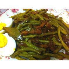 http://pinterest.com/ronleyba/filipino-recipes-philippine-foods-filipino-dish/ adobong sitaw - a classic Filipino dish