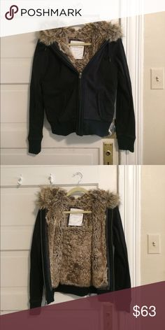 New American Eagle Fur Jacket Very warm and looks great! American Eagle Outfitters Jackets & Coats Puffers