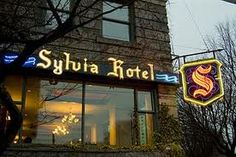 Sylvia hotel Vancouver ~ live music, Stanley Park entrance beach views, character and historical building. And they have excellent menus! Stanley Park Vancouver, Vancouver Hotels, Seymour, Old Neon Signs, Vancouver Art Gallery, Places In New York, Twelfth Night, Quebec City, Quebec