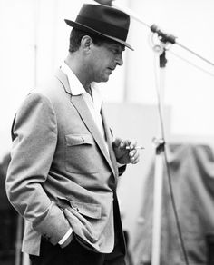 Forever Cool - Dean Martin. When REAL SINGERS didn't need auto-tune!