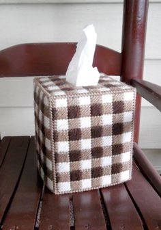 Brown and OffWhite Gingham Tissue Box Cover Plastic Canvas Coasters, Plastic Canvas Stitches, Plastic Canvas Tissue Boxes, Plastic Canvas Crafts, Plastic Canvas Patterns, Tissue Box Holder, Tissue Box Covers, Plastic Mesh, Creation Crafts