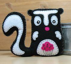 Stuffed Skunk - via Doll Crafts, Cute Crafts, Sewing Crafts, Sewing Projects, Felt Projects, Fabric Animals, Felt Animals, Puppet Patterns, Sewing Patterns