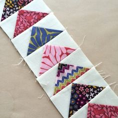 Flying Geese tutorial on RST Cute Quilts, Scrappy Quilts, Mini Quilts, Patchwork Quilting, Quilting Tutorials, Quilting Projects, Quilting Designs, Quilting Tips, Quilt Block Patterns