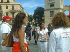 Cristina is explaining the mechanism of the clock tower of Messina