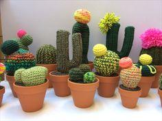 Créations uniques. Cactus En Crochet, Cactus Plants, Planter Pots, Textiles, Gardens, Satchel Handbags, Purses, Creative Workshop, Botany