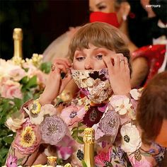 All About Taylor Swift, Taylor Swift Videos, Taylor Swift Pictures, Taylor Alison Swift, Album Of The Year, Me As A Girlfriend, Red Taylor, Music Industry, Lady And Gentlemen