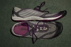 Womens Grey, Purple MERRELL BAREFOOT PACE GLOVE Running Shoes, Size 7, GUC! #MERRELLBAREFOOTPACEGLOVEDARKSHADOW #AthleticRunningCrossTrainingMinimus