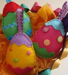 A collection of sewing & craft supplies! Haberdashery, sewing patterns and craft books, kits, knitting, crocheting and general craft. Easter Projects, Easter Crafts, Diy Projects To Try, Spring Crafts, Holiday Crafts, Hoppy Easter, Easter Eggs, Easter Tree, Felt Decorations
