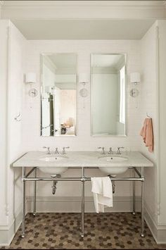 skinny mirror two sconces jessica-helgerson-master-bath-bathroom-double-vanity-sink-washstand-subway-tiles-floor-to-ceiling-marble-hexagon-hex-mosaic-tile-floor.jpg (600×905)