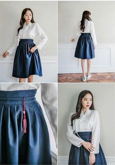 Modern hanbok (korean traditional clothes) things to wear ки Korean Fashion Trends, Korean Street Fashion, Korea Fashion, Asian Fashion, Korean Traditional Clothes, Traditional Dresses, Korean Outfits, Mode Outfits, Fashion Outfits