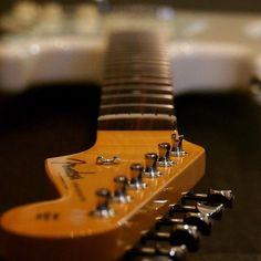 #fender #fendersofinstagram #fendergtrjunkie @fendergtrjunkie #guitarspotter #studio33guitar #guitar #guitarpic #guitarporn @shulzhenko_guitars @onlystrings #art #computer #photography #faith #inspiration #passion #rythminlife