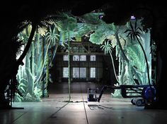 Großfoto als Durchgang ausgeschnitten  Europeras 1 & 2 (John Cage), set design and light by Klaus Grünberg, Ruhrtriennale 2012