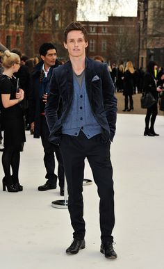 Eddie Redmayne wearing Burberry at the Burberry Prorsum Womenswear Autumn/Winter 2012 show #LFW