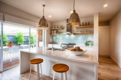 Display Home - Erskine Display Clyde North Kitchen Living, New Kitchen, Kitchen Ideas, Kitchen Planning, Hotondo Homes, Galley Kitchen Design, Display Homes, New Home Designs, Beautiful Kitchens