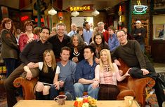 """Remembering the """"Friends"""" Series Finale Friends Tv Show, Tv: Friends, Serie Friends, Friends Cast, Friends Moments, Friends Season, Friends Forever, Monica Friends, Monica And Chandler"""
