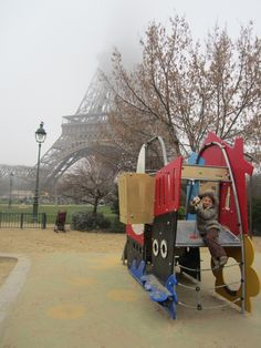 Paris - Eiffel Tower Paris Eiffel Tower, Playgrounds