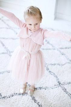 Juhlahumua! // Uusi Kuu Kuu, Girls Dresses, Flower Girl Dresses, Babies, Wedding Dresses, Children, Fashion, Babys, Bridal Dresses