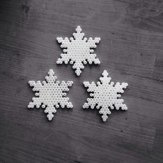 Snowflakes hama perler beads by lechrom by JohnsonKathy